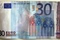 Paga le sigarette con una banconota da 30 euro e gli danno pure il resto